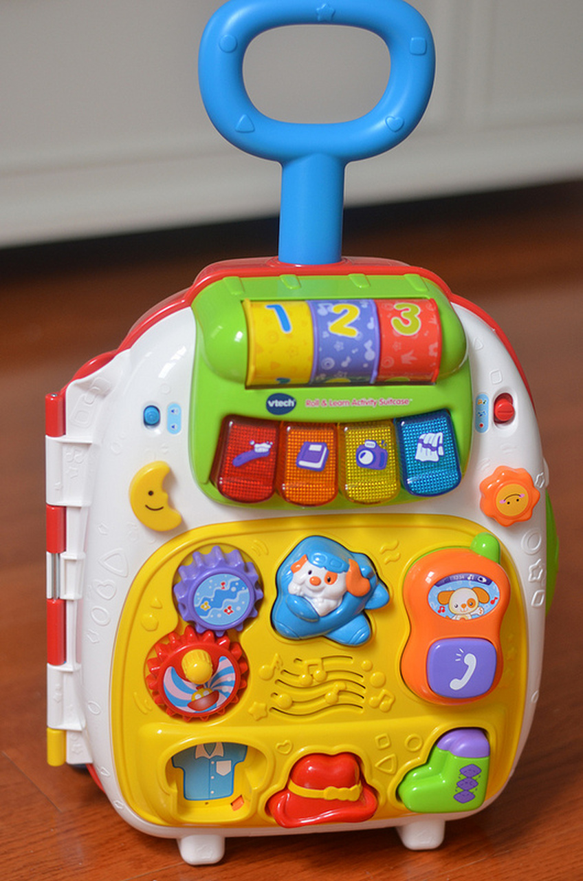 VTech Roll and Learn Activity Suitcase